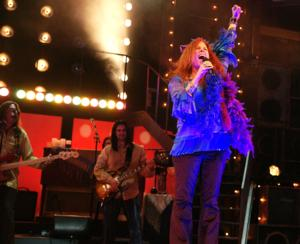 BWW Reviews: ONE NIGHT WITH JANIS JOPLIN is a Rocking Good Time