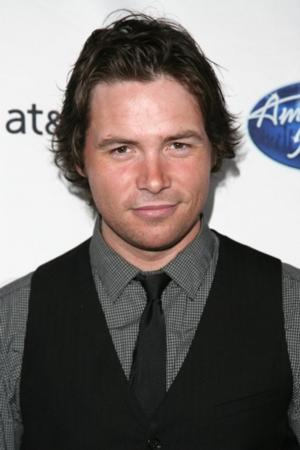 AMERICAN IDOL Contestant Michael Johns Dies at 35; Cowell, Jackson React to Tragic News