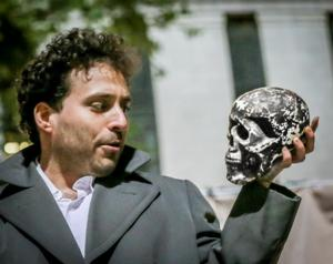 Special Free Memorial Day Performances of HAMLET in Bryant Park Moved Due to Weather, 5/26-31