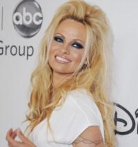 Rialto Chatter: Is Pamela Anderson Headed for Broadway?