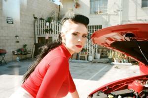 Kate Nash Premieres Video For 'Sister', Announces Tour Dates & Coachella