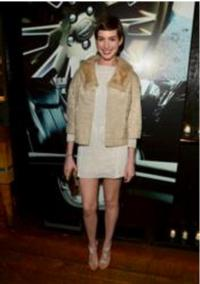 Anne-Hathaway-Wears-Jill-Milan-to-Les-Miserables-Celebration-Supporting-LA-Education-20010101