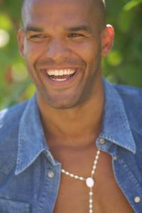 Amaury-Nolasco-to-Guest-Star-on-RIZZOLI-ISLES-20130207