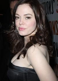 Rose McGowan to Play 'Young Cora' in ONCE UPON A TIME Origin Episode