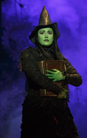 BWW Reviews: Broadway Sacramento Brings in a WICKED Good Cast