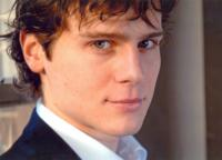 GLEE's Jonathan Groff Brings Solo Show to The Cabaret in Indianapolis Tonight, 10/13