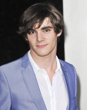 SWITCHED AT BIRTH's RJ Mitte, THE FOSTERS' Hayden Byerly to Live Tweet with Fans, 2/3