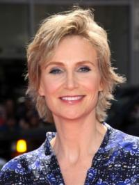 GLEEs-Jane-Lynch-to-Host-NBCs-HOLLYWOOD-GAME-NIGHT-20010101