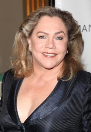 Kathleen Turner Boards DUMB AND DUMBER Sequel