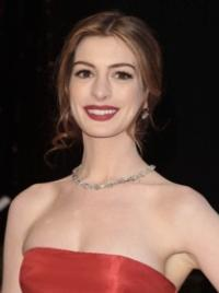 LES MIS Star Anne Hathaway to Host SNL, 11/10