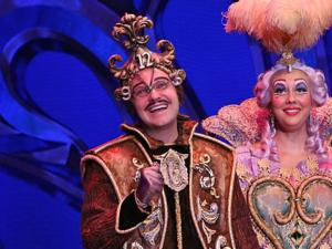 BWW Interview: James May of BEAUTY AND THE BEAST Gives Us a Moment of His Time