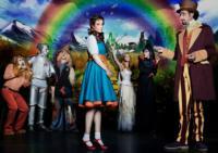 Dorothy recorre a un nuevo ritmo el camino hacia el teatro Maravillas