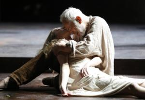 Theatre for a New Audience Celebrates Shakespeare's Birthday with Special KING LEAR Performance Tonight
