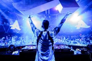DJ Afrojack Makes Hakkasan Las Vegas Nightclub Debut