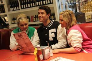 HAPPY DAYS Cast Visits Birmingham's Ed's Diner