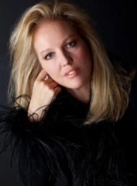 Stacy-Sullivan-To-Present-ITS-A-GOOD-DAY-A-TRIBUTE-TO-MISS-PEGGY-LEE-at-Metropolitan-Room-Starting-1017-20120926