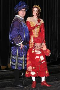 BWW Reviews: SNOW WHITE AND THE SEVEN DWARFS, New Wimbledon Theatre, December 14 2012