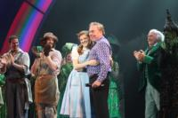DO-NOT-LIVE-Photo-Coverage-Andrew-Lloyd-Webber-Visits-Torontos-Wizard-of-Oz-20000101