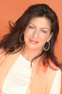 TAMMY PESCATELLI from Last Comic Standing Performs at Side Splitters Comedy Club, 5/30-6/2