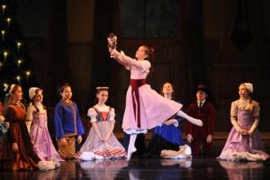 BWW Reviews: THE YORKVILLE NUTCRACKER in Olde New York Enchants