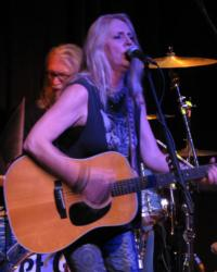 Pegi Young Set for 'DAVID LETTERMAN' Tonight; Kicks Off Tour This February
