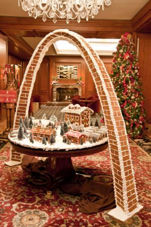 8-foot-tall Gingerbread Arch Debuts at The Ritz-Carlton, St. Louis