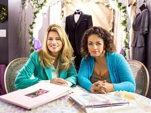 Lisa Whelchel & Kim Fields Reunite in Hallmark Channel's FOR BETTER OR FOR WORSE, 7/19