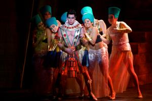 BWW Reviews: Go, Go, Go JOSEPH Rocks the Pantages