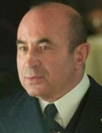 Bob Hoskins to Retire From Acting Due to Parkinson's Disease Diagnosis