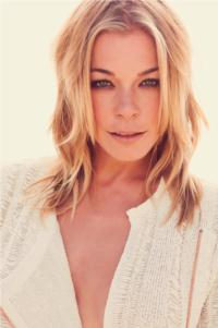 LeAnn Rimes Plays Mesa Arts Center, Dec 9
