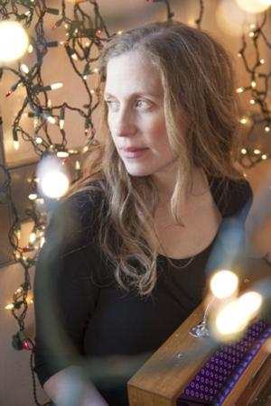 Natalie Merchant to Join Elizabeth Mitchell at Symphony Space, 12/14; PIRATE SCHOOL Set for 12/28