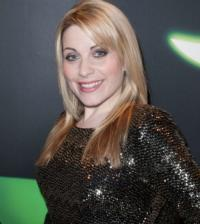 Former-Glinda-Louise-Dearman-Returns-to-WICKED-as-Elphaba-Becomes-1st-to-Play-Both-Starring-Roles-20120802