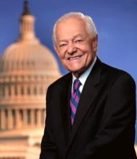 CBS News' Bob Schieffer Moderates Final Presidential Debate Tonight, 10/22
