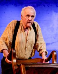 BWW Reviews: Farm Boy Closes Triumphantly at the Matrix