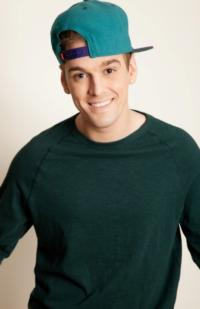 Aaron Carter Exits THE FANTASTICKS to Kick Off New Tour