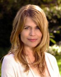 Linda Hamilton to Guest Star on Syfy's Hit Series LOST GIRL