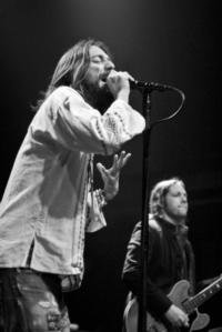 BLACK-CROWES-Lay-Down-With-Number-13-20130114