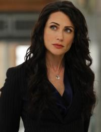 Rena Sofer to Play Snow White's Mother on ONCE UPON A TIME
