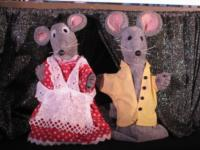 CINDERELLA, TWO BAD MICE and GOLDILOCKS AND THE THREE SHARKS Set for Great AZ Puppet Theater, Now thru Feb 2013