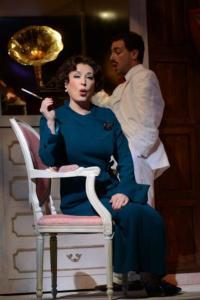 BWW-Reviews-POWDER-HER-FACE-Stuns-At-Opera-Philadelphia-20010101