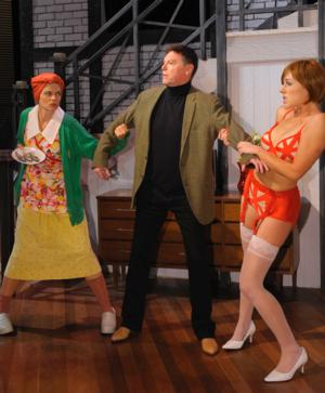 BWW Reviews: NOISES OFF Leaves Audience in Stitches at The Clarence Brown Theatre