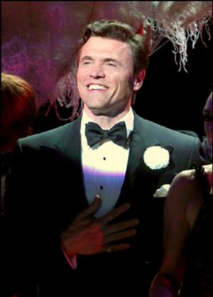Brent Barrett Will Return to Broadway's CHICAGO as 'Billy Flynn' Next Week