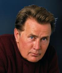 PBS's IN FOCUS WITH MARTIN SHEEN Announces New Series on Smartphone Apps