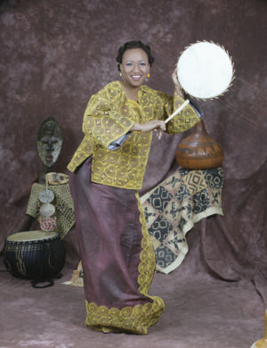 Segerstrom Center Teaching Artist Victoria Burnett Performs at National Storytelling Festival, Now thru 10/6