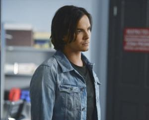 Tyler Blackburn Returns as Series Regular on 5th Season of PRETTY LITTLE LIARS