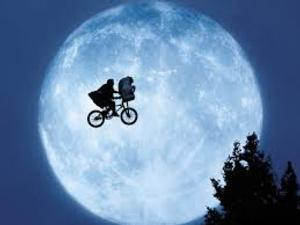E.T. THE EXTRA TERRESTRIAL Coming to the Big Screen at CT's Warner Theater