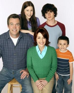ABC's THE MIDDLE Draws 2nd-Biggest-Ever Audience Against Idol/