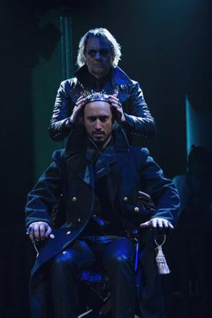 BWW Reviews: RICHARD III Stabs Through Expectations at Folger Theater