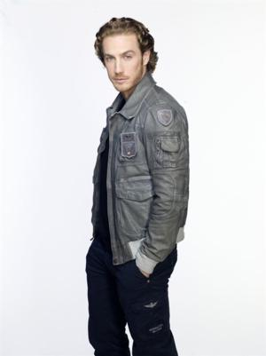 Telemundo & Mun2 Present World Premiere of Eugenio Siller's New Music Video 'Te Esperare'