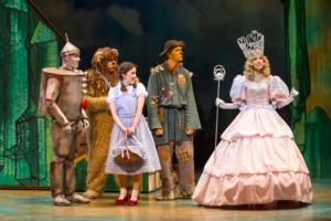 BWW Reviews: Skylight's Enchanting WIZARD OF OZ Casts Magical Spell Over Milwaukee